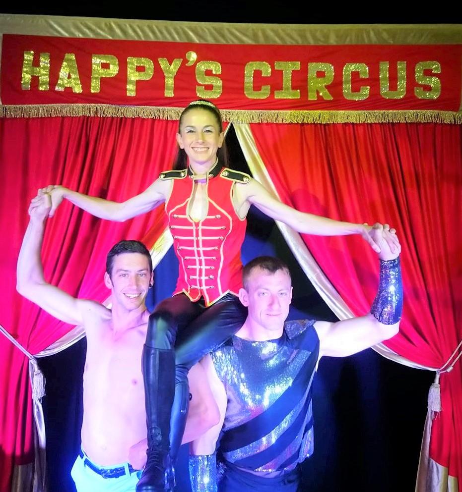 Happy's Circus Ringmaster & Team (1)